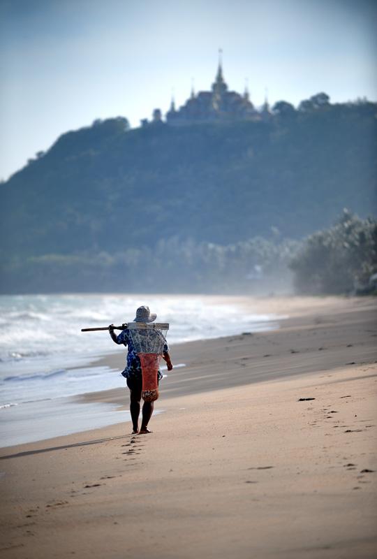 А это уже пляж Банкрут (Ban Krut) в районе деревни Тонг Чай (Thong Chai).