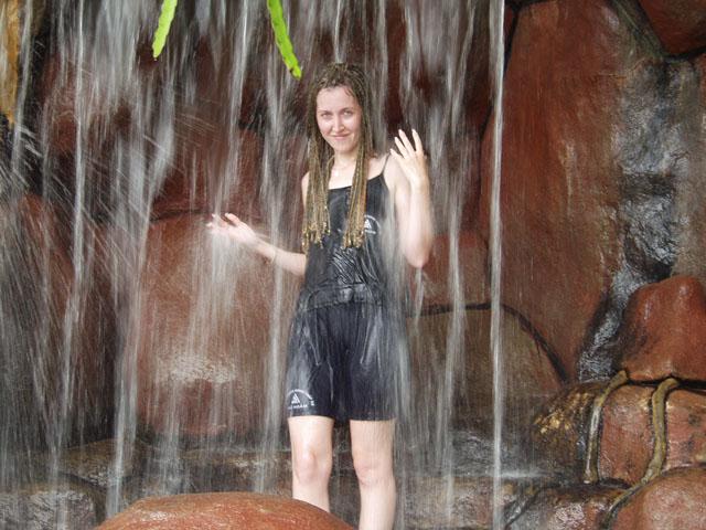 Водопад. Причем вода минеральная.