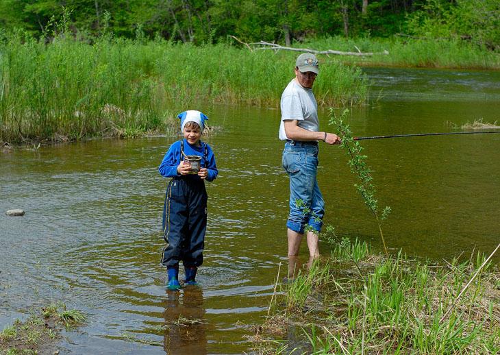 На саму рыбалку особо много времени не тратили, приоритет был отдан кремации шашлыков и глобальному водкопитию.