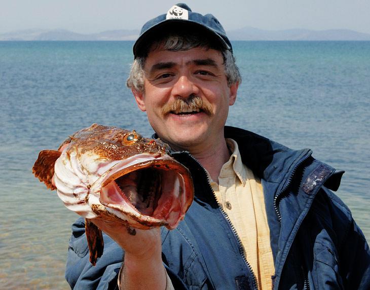 Георгич по дороге выловил бычка на уху. Энтузиазма на более глобальную и продолжительную рыбалку у нас не хватило.