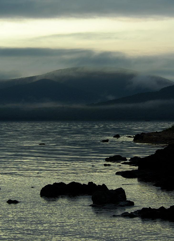 Стабильно перешел на съемку рассветов. Вода немного теплее воздуха и туманных видов хватает по самое нехочу.
