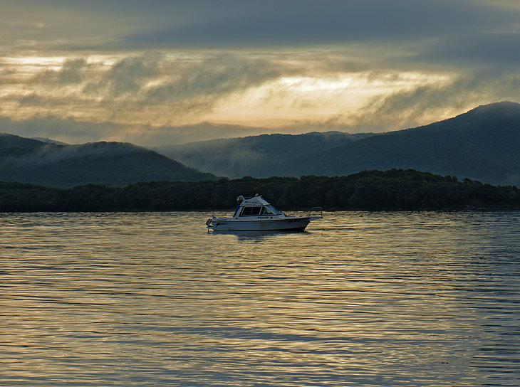 Очередной рассвет, с водой цвета утренней мочи, обещающий наконец таки хорошую погоду.
