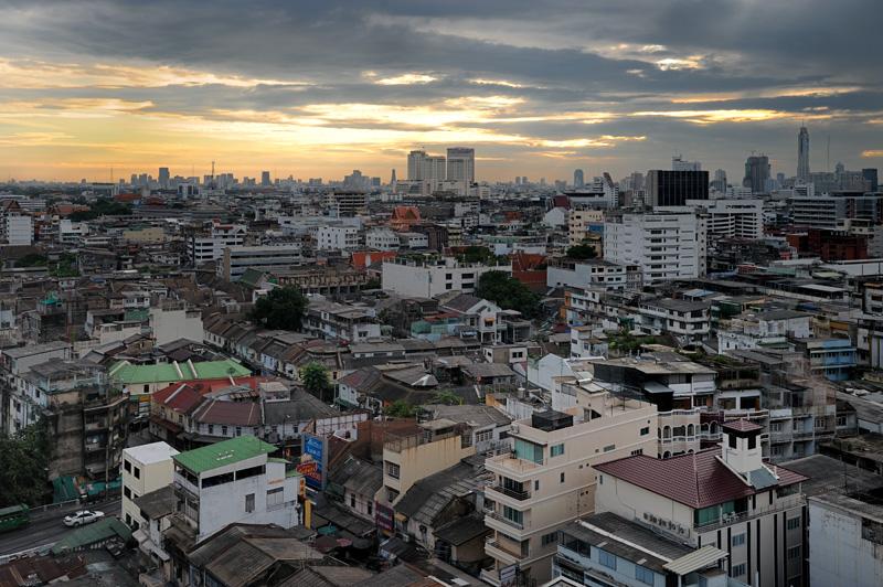 Бангкок. Как-нибудь надо будет выложить отдельную кучку фотографий тайской столицы и ее окрестностей.