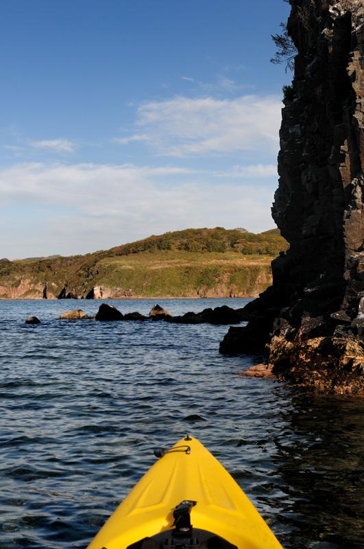 В очередной раз уронил в воду фотоаппарат, к счастью, на его работоспособности сие происшествие не отразилось. Однако, имею печальный             опыт утопления фототехники. Попытки приспособить различные водозащищенные приспособления положительных результатов не дали. Лучше всего             на воде показал себя Пели-кейс, впрочем, оставлю эту душещипательную историю для sea-kayak.ru.