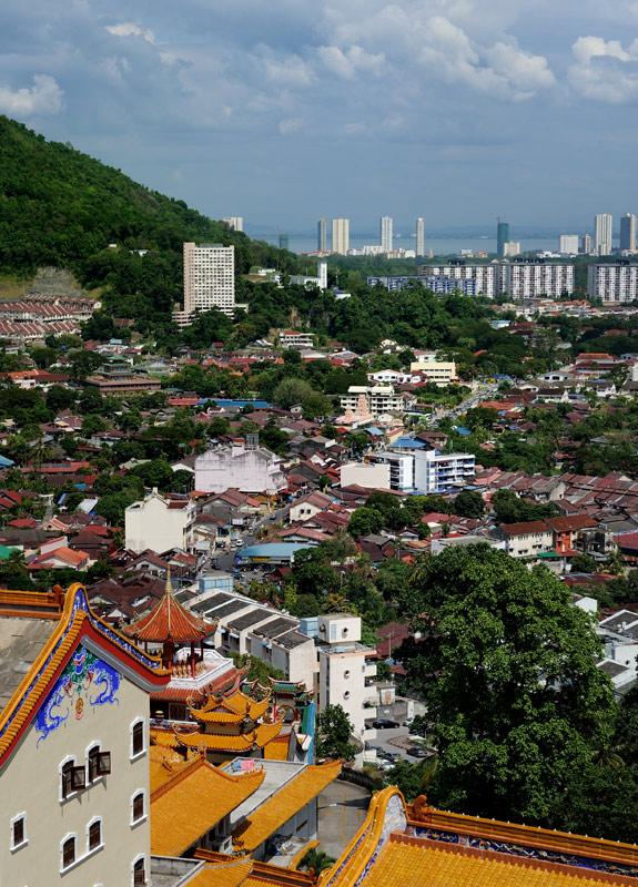 Примечательно, что арендная плата Кедаху перечисляется и по сей день, но уже в виде десяти тысяч малазийских ринггитов от федерального правительства Малайзии. Получается, что по нынешнему курсу ежегодная аренда целого острова обходится               чуть более трех тысяч американских долларов.