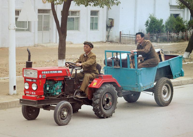 Это уже образец китайского тракторостроения.