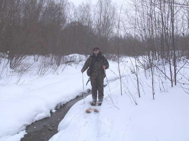Вот так же когда-то вдоль этого ручья шел на лыжах Арсеньев на встречу с Дерсу.