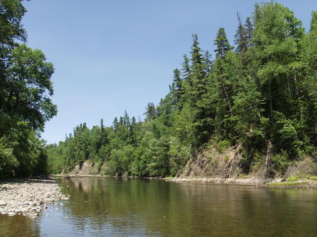 Река красивая. Ну это и без моих рассказов на фотографиях видно.