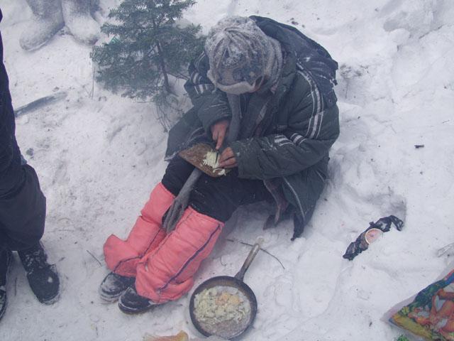 Необычный для меня процесс приготовления пищи, занимает важное место в ритуальных обрядах настоящих туристов.