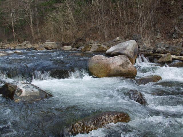 Неконтролируемая утечка пресной воды.
