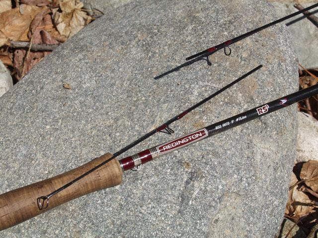 Пиздец подкрался незаметно. Моя рыбалка накрылась веником, а точнее сломавшимся кончиком Редингтона. Хрумкнуло при забросе. А запасной палки у меня нет.
