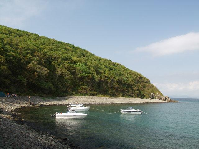 Живописный такой островок в 60 километрах от Владивостока.