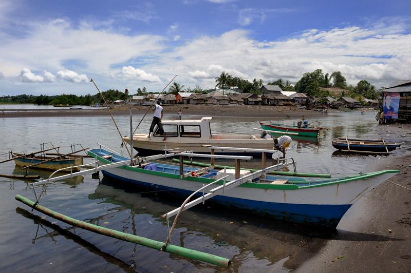 В деревне предполагается взять моторную лодку, для более тесного знакомства с необитаемыми островами и прочими радостями тропического рая.