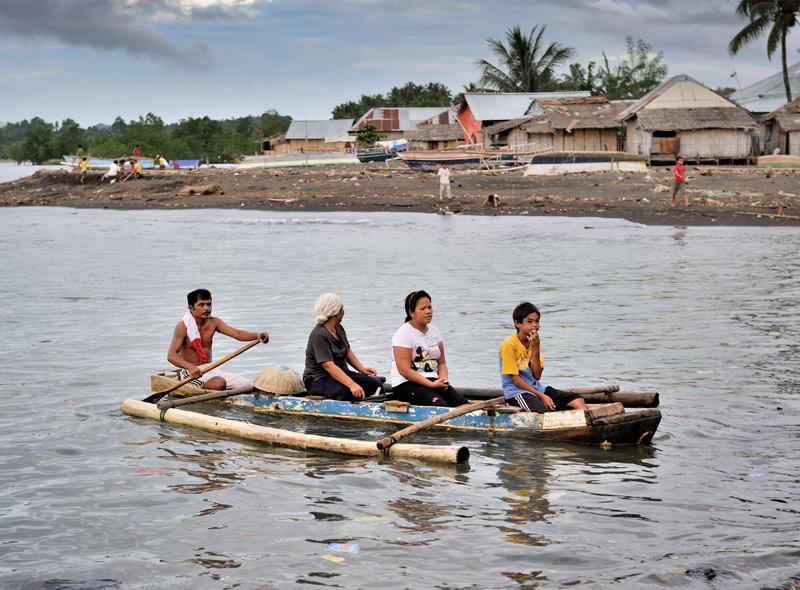 Лихага (Lihaga) — это микроскопический остров у северо-восточного побережья Сулавеси. Помимо песка и моря, сей объект туристического паломничества не отягощен иными достопримечательностями.